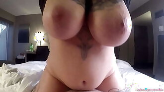Morning quickie with Ava Minx before checkout time