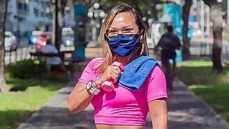 Peruana profesora de gimnasio pillada haciendo ejercicios hot (TENDENCIA EN PERU)