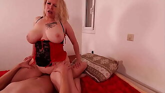 Hungry MILF loves to be on the top.